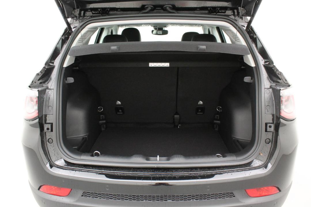 jeep compass longitude turbo 140 2wd au meilleur prix cardoen voitures. Black Bedroom Furniture Sets. Home Design Ideas