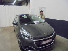Peugeot 208 active puretech 82 gekocht bij Namen